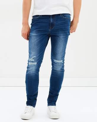 yd. Torano Slim Tapered Jeans