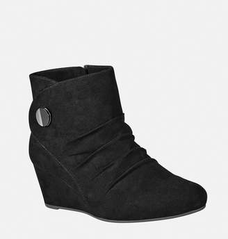 Avenue Janis Ruched Button Wedge