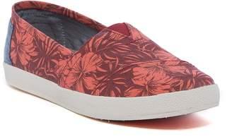 Toms Avalon Hibiscus Print Slip-On Shoe