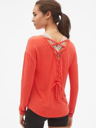 Gap GapFit Breathe Long Sleeve Lace-Up Back T-Shirt