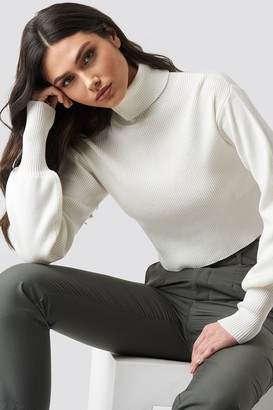 Na Kd Trend Balloon Sleeve High Neck Short Sweater Black