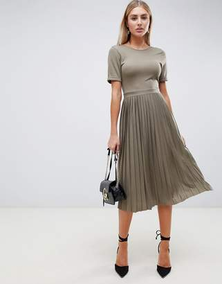 Asos Design DESIGN pleated skirt midi dress