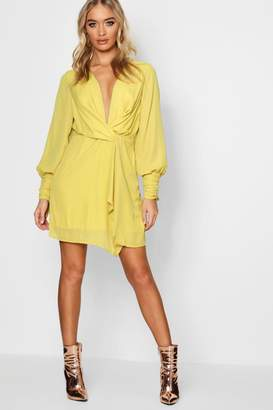 boohoo Twist Front Ruched Sleeves Shift Dress