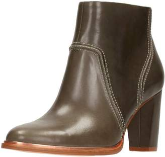 Clarks ELLIS BETTY women's Low Ankle Boots in Discounts Sale Online Outlet Amazon afAjdcpU