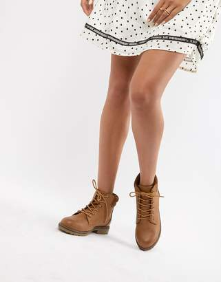 New Look Lace Up Biker Flat Ankle Boot