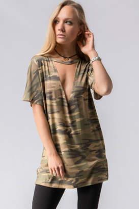 Fashionomics Camouflage Choker Tee
