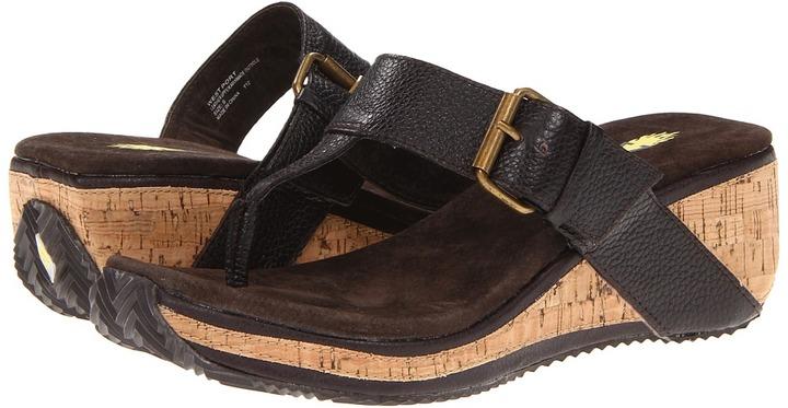 Volatile West Port (Brown) - Footwear