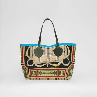 Burberry The Giant Reversible Tote in Archive Scarf Print Cotton