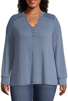 Boutique + + Long Sleeve Lace Shoulder Henley T-Shirt - Plus