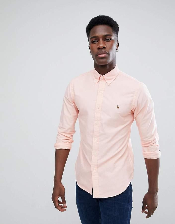 – Schmales Oxford-Hemd in Hellrosa mit Polospieler-Logo und geknöpftem Kragen