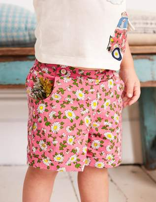 Boden Bright Turn-up Shorts