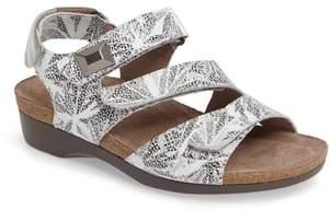 Munro American Antila Sandal
