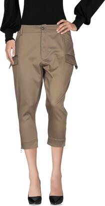 Annie P. 3/4-length shorts
