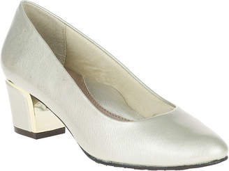 Hush Puppies Soft Style by Deanna Leather Pumps