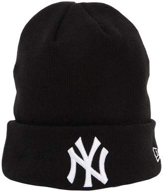 New Era League Essential Ny Yankees Beanie Hat