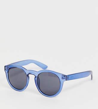 Monki round cat eye sunglasses in navy