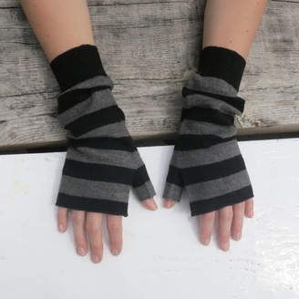 Aura Que Fairtrade Yak Merino Wristwarmer Fingerless Gloves