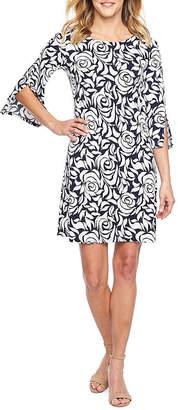 MSK 3/4 Split Sleeve Floral Puff Print Shift Dress