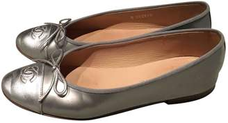Chanel Silver Patent leather Ballet flats