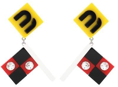 Clip-Ohrringe aus Plexi