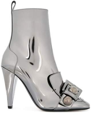 No.21 buckle-detail metallic boots