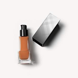 Burberry Fresh Glow Foundation SPF15 PA+++