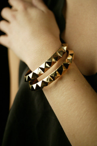 Han Cholo Gold Spiked Bangle