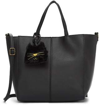 T-Shirt & Jeans Tote Bag With Faux Fur Cat Charm