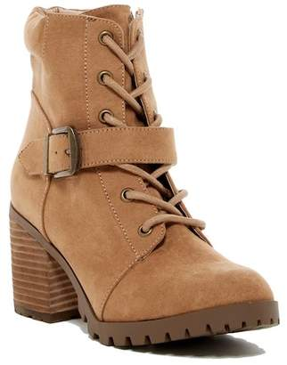 Abound Waverlie Lace-Up Boot