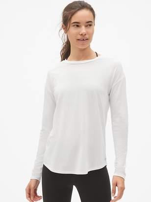 Gap GapFit Breathe Long Sleeve Lace-Up Back T-Shirt