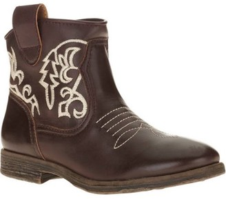 Mo Mo MoMo Women's Trigger Western Inspired Ankle Boot