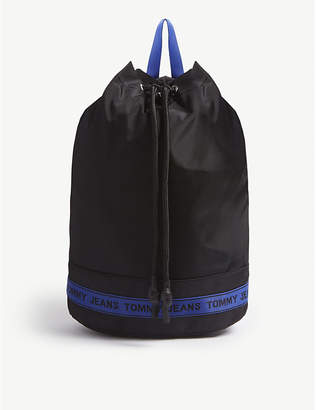 Tommy Jeans Logo tape bucket backpack
