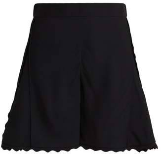 Chloé Scallop Edge Cady Shorts - Womens - Black