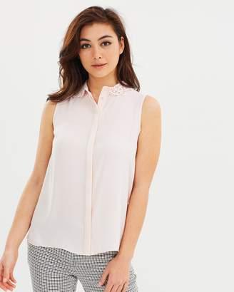 Dorothy Perkins Sleeveless Lace Collar Shirt