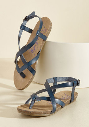 Blowfish Everyday Nonchalance Sandal in Midnight in 7.5 $39.99 thestylecure.com