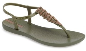 Women's Ipanema Deco Thong Sandal $29.95 thestylecure.com