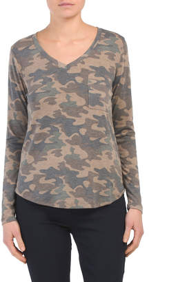 Tresics Juniors Camo V Neck Boyfriend Tee