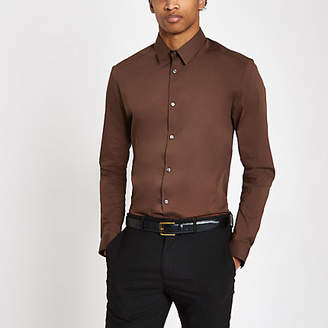 River Island Brown poplin muscle fit long sleeve shirt