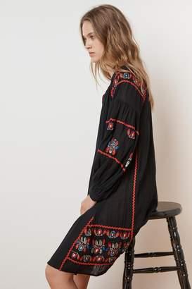 Velvet by Graham & Spencer LOANE EMBROIDERED COTTON PEASANT DRESS
