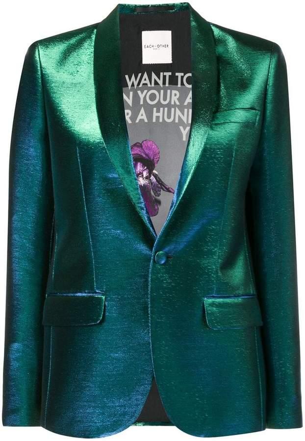 slim-fit button blazer