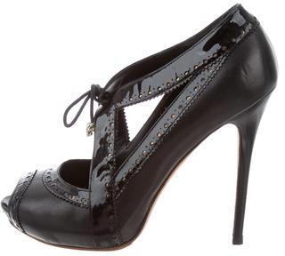 Alexander McQueenAlexander McQueen Peep-Toe Leather Pumps