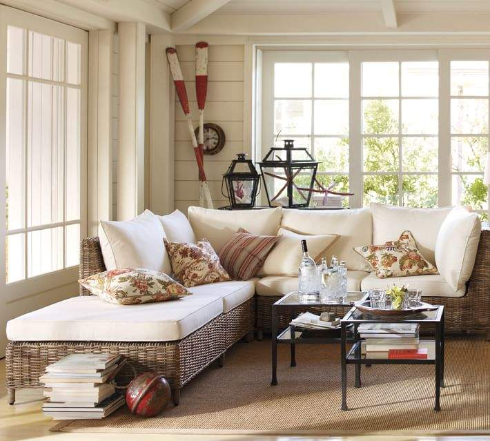 Sectional Right-Arm Chaise & Cushion