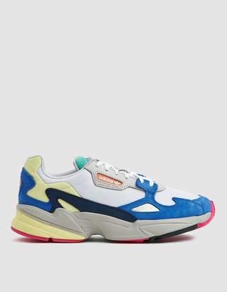 adidas Falcon W Sneaker in Blue