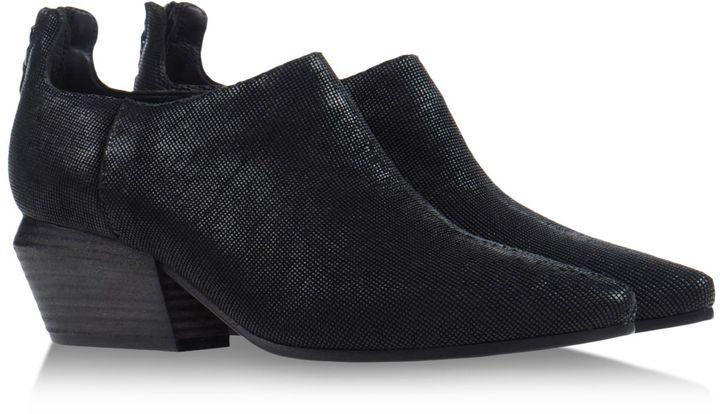 Vic Matié VIC MATIE' Ankle boots