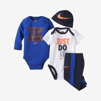Nike Infant 4-Piece Set