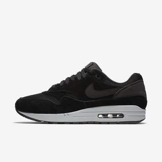 Nike 1 Men's Shoe