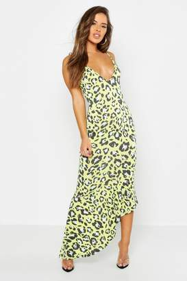 6ae6a6e40782 boohoo Petite Leopard Print Asymmetric Hem Maxi Dress