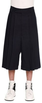 Alexander McQueen Pleated Wide-Leg Cropped Trouser, Navy $895 thestylecure.com