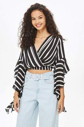 Love **Frill Sleeve V-Neck Crop Top by