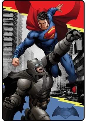 "DC Comics Batman vs Superman Heroes Duel 62"" x 90"" Kids Plush Blanket"